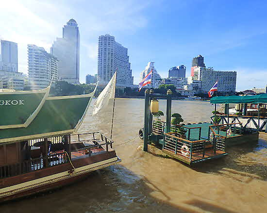 Bangkok River Landing at Peninsula