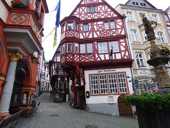 Mosel Bernkastel Central Square