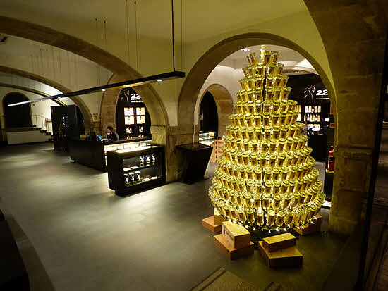 House of Sandeman Cellars Xmas Promotion
