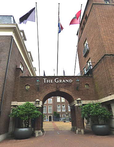 Amsterdam Legent The Grand Entrance 2