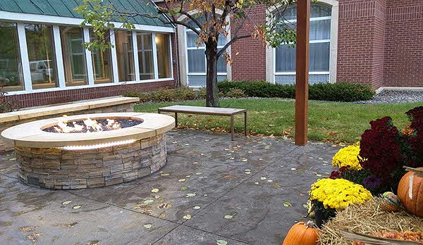 Country Inn & Suites Outdoor fire pit