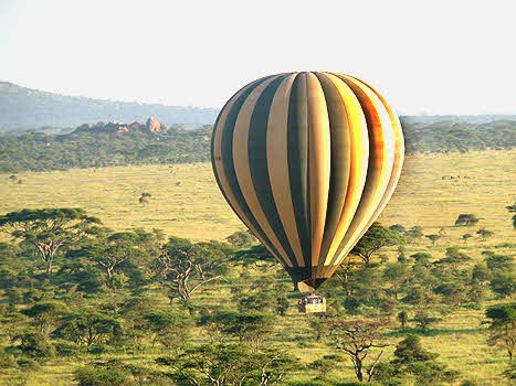 Tanzania Baloon over the Serengeti